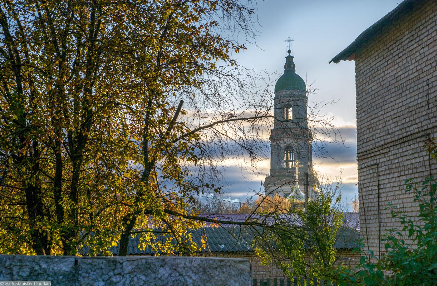 Красный Холм, Народная площадь, колокольня, колокольня Троицкого собора
