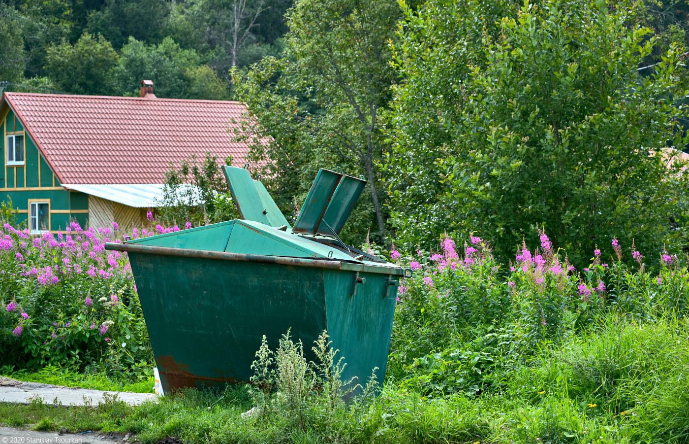 Лахденпохья, Карелия, республика Карелия, Заводская улица, мусорный контейнер кораблик