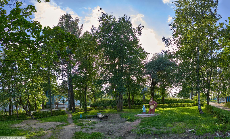 Лахденпохья, Карелия, республика Карелия, городской сквер, маша и медведь