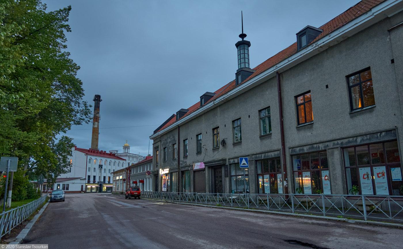 Сортавала, Карелия, республика Карелия, вечер, вечер в городе, площадь Кирова, хельсинский национальный банк, финниль, функционализм