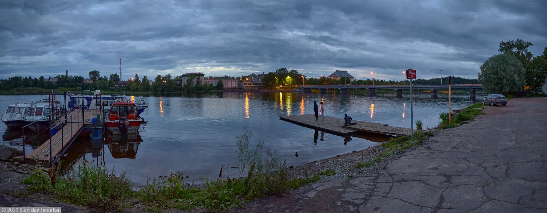 Сортавала, Карелия, республика Карелия, вечер, вечер в городе, Ляппяярви, причал, мостик, набережная