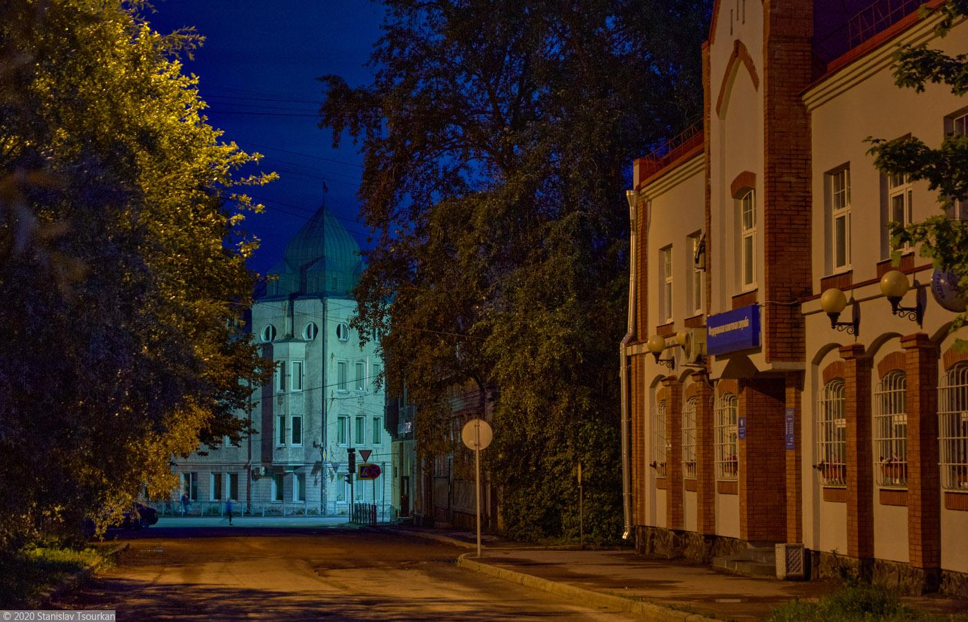 Сортавала, Карелия, республика Карелия, вечер, вечер в городе, дом Сиитонена, улица Гагарина, Уотилла, северный модерн